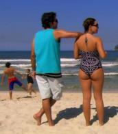 Imagem de maiô na praia