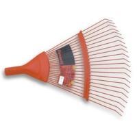 Rastelo, ferramenta utilizada para varrer grama.